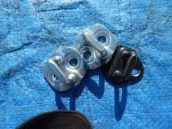 Скоба замка двери на Nissan LEAF(2) Aze0. Infiniti: QX56, QX70, M25, M35 Hybrid, M45, Q40, QX50, G25, Q60, FX45, EX35, Q45, EX37, FX30d, G35, Q50L, M3...