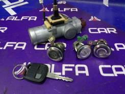 Комплект личинок с замком зажигания Nissan Rnessa N30