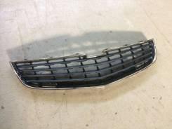 Chevrolet cruze 2013 решетка радиатора нижняя