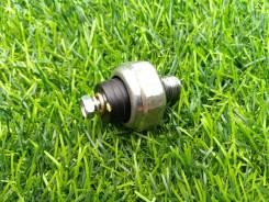 Датчик давления масла Subaru 25240KA050 FB20