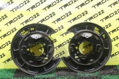 Щиток тормозного механизма. Suzuki Grand Vitara, TA04V, TA0D1, TA44V, TAA4V, TD041, TD042, TD044, TD047, TD04V, TD0D1, TD0D2, TD0D3, TD0D4, TD0D6, TD0...