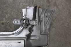 Петля передней правой двери Toyota Verossa JZX110