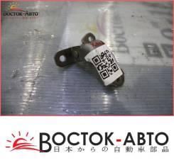 Крепление боковой двери Toyota RAV4 SXA10 3SFE (68720-22070,68720-22071)