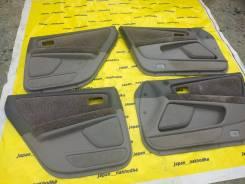 Обшивка двери. Toyota Mark II, GX100, GX105, JZX100, JZX101, JZX105 1GFE, 1JZGE, 1JZGTE, 2JZGE