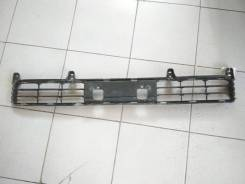 Решетка в передний бампер Toyota Land Cruiser 200 / ЛК 200 5311260110