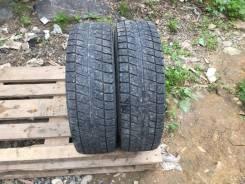 Bridgestone Blizzak Revo2. Зимние, без шипов, 2009 год, 50%, 2 шт