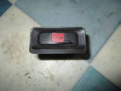 Кнопка включения аварийной сигнализации. Honda Civic, EG3, EG4, EG5, EG6, EJ1 Honda Civic Ferio, EG7, EG8, EG9, EH1, EJ3 B16A2, B16A3, D12B1, D13B2, D...