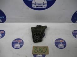 Кронштейн опоры двигателя/Volvo S80, S60, V70, XC90 F, передний