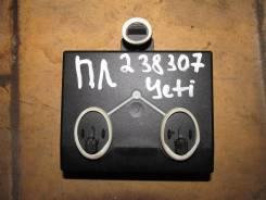 Блок управления дверью передней левой [7N0959793E] для Skoda Yeti