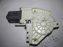 Моторчик стеклоподъемника задний правый [5L0959812A] для Skoda Yeti