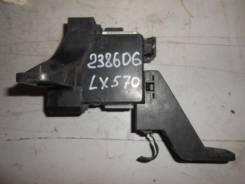 Блок предохранителей [8273160250] для Lexus LX III 570 [арт. 238606]