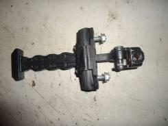 Ограничитель двери передний правый [R23500AA] для Ford Fiesta VI [арт. 297783-2]