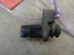 Выключатель концевой Nissan Cube Z10 1998-2002 Номер OEM 2536010V00