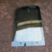 Стекло боковое, собачника левое заднее Toyota Lite Ace Noah SR50