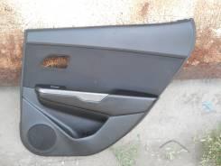 Обшивка двери задней правой Kia Rio 3