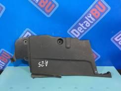 Накладка под капот левая IS250 IS350 IS220 IS300 06-12г. RHD