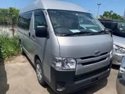 Toyota Hiace. Продается микроавтобус 2015 с медицинской аппарелью, 5 мест