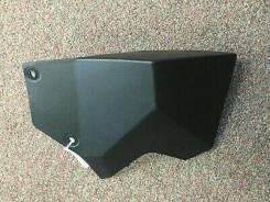 Дефлектор корпуса спидометра LH XMR 705006134