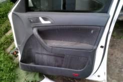 Продам обшивку передней правой двери Skoda Yeti 2013г