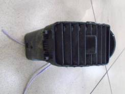 Дефлектор воздушный правый Suzuki Liana 2001-2007