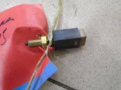 Датчик включения стоп-сигнала Nissan Cefiro 2 1994-2000 Номер двигателя VQ20DE
