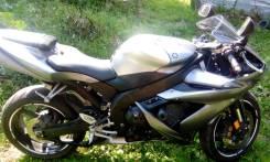 Yamaha R1, 2004