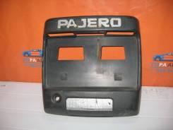Рамка крепления номера Mitsubishi Pajero 3 V6,V7 2000-2006 (Рамка крепления номерного знака) [mr387983]