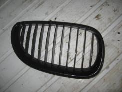 Решетка радиатора правая BMW 5 Е60 (Решетка радиатора) [51137065702]