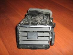 Дефлектор воздушный Nissan Tiida (C11) 2007 (Дефлектор воздушный) [68761EL00A], левый
