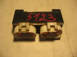 Блок управления вентилятором VW Transporter T4 1991-1996 (Блок управления вентилятором) [701919506]