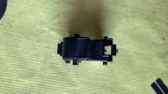 Кнопка стеклоподъемника Toyota, Vitz передняя левая