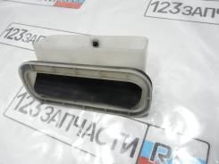 Клапан вентиляции багажника левый Toyota Harrier MCU15