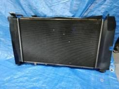 Радиатор охлаждения с диффузором от Toyota Fielder NZE124 2001 г. в.