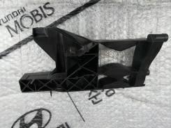Кронштейн Фары Лев VAG арт. 4G0805607A