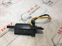 Ручка багажника Mitsubishi Outlander