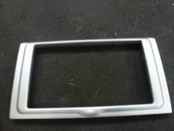 Рамка магнитофона Ford Kuga 2010