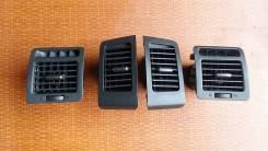 Решетка вентиляционная 1 шт. Toyota Corolla Spacio ZZE122