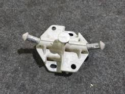 Кронштейн глушителя. Volkswagen Passat, 3B2, 3B3, 3B5, 3B6 Audi A6, 4B2, 4B4, 4B5, 4B6 Audi S6, 4B2, 4B4, 4B5, 4B6 Skoda Superb 1Z, ACK, ADP, ADR, AEB...