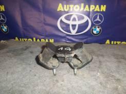 Подушка АКПП Toyota MARK II б/у 12371-70060