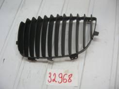 Решетка радиатора правая BMW 1-серия E87 / E81 2004-2011 (Решетка радиатора) [51137128613]