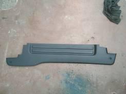 Продам Заднюю Правую пластиковую накладку порогов Nissan NV200