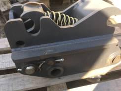 Быстросъемное устройство на экскаватор-погрузчик