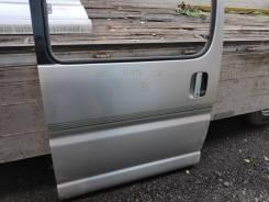 Дверь сдвижная правая Toyota Grand Hiace KCH16