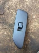 Кнопка стеклоподъемника передней левой двери Toyota Auris NZE151