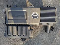 Корпус воздушного фильтра. Mazda: Training Car, Mazda3, Demio, Verisa, Axela, B-Series, Premacy, Titan, Bongo Brawny, Mazda2, Roadster, Mazda6, Bongo...