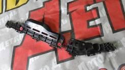 Кронштейн заднего бампера левый Toyota Highlander 3 2013