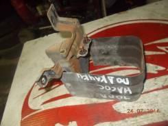Крепление топливного фильтра Mazda Bongo Brawny [WL6513489B]