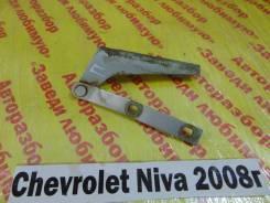 Крепление капота прав. Chevrolet Niva Chevrolet Niva 2008