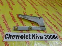 Крепление капота лев. Chevrolet Niva Chevrolet Niva 2008
