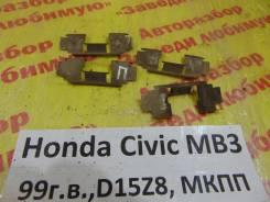 Зажим тормозной колодки Honda Civic (MA, MB 5HB) 1995-2001 Honda Civic (MA, MB 5HB) 1995-2001 1999, передний